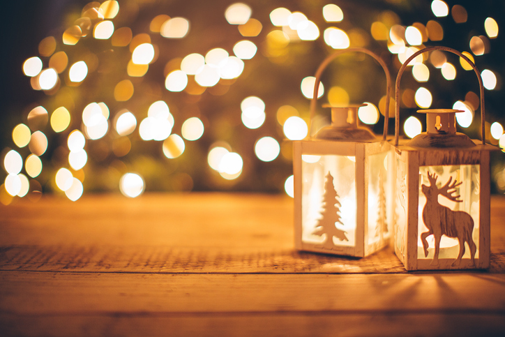 7 Christmas Decorating Ideas for a Big Backyard